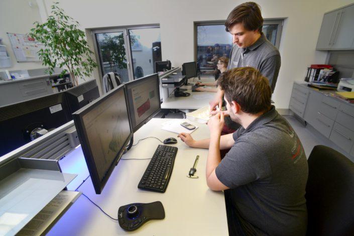 Unterstützung von konstruktiven Aufgaben mittels EDV zur Herstellung eines Produkts